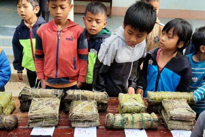 """Trường TH Trần Hưng Đạo tổ chức hoạt động trải nghiệm """"Em gói bánh chưng ngày tết"""""""